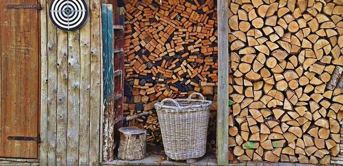Wiaty z drewna – kiedy się sprawdzą?