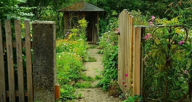 Nowoczesne altany drewniane do ogrodu